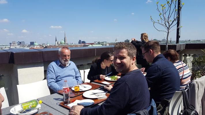 (c) Herbert Wagner (2016), Mit der SPD Leipzig im Cafe am Dach des Justizpalastes