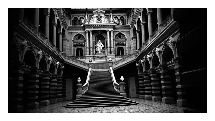 (c) Herbert Wagner (2016), Im Atrium des Justizpalastes