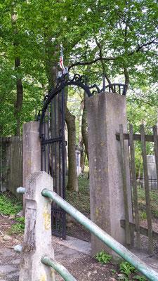 (c) Herbert Wagner (2014), Zum Friedhof Kahlenberg