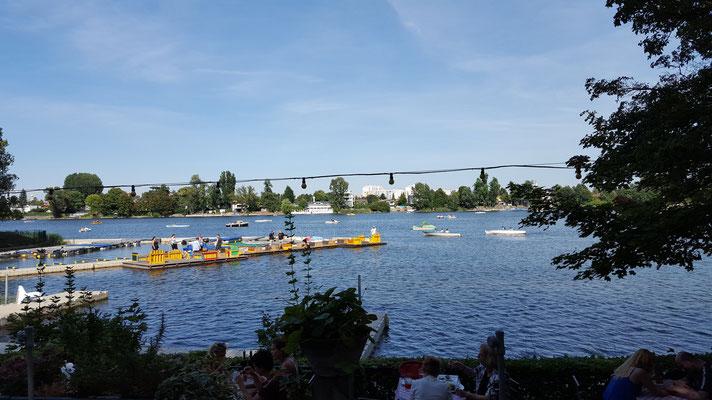 (c) Herbert Wagner (2015), Untere Alte Donau (vom Gastgarten der Alten Kaisermühle aus)