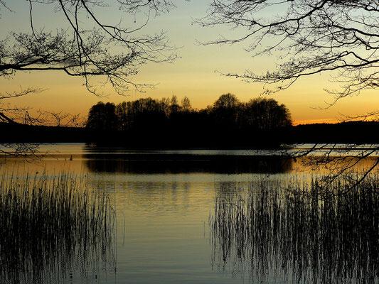 ...still und starr ruht der See....