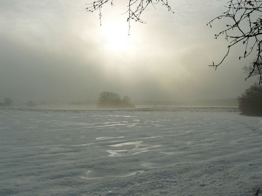 Die Eiseskälte kriecht durch Mark und Bein, die Sonne kämpft sich kurz durch die dichten Wolken...