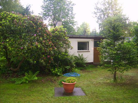 Gartenhaus von hinten