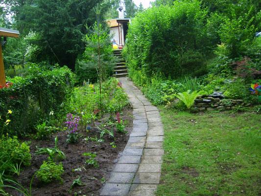 Juli '13: Das sieht man, wenn man vor'm Gartentor steht