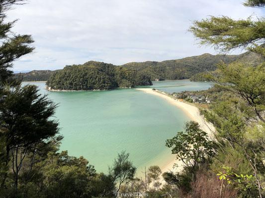 Kustlijn Onetahuti Bay