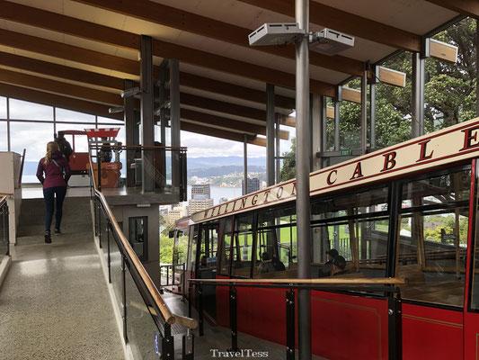 Met de Wellington Cable Car naar boven