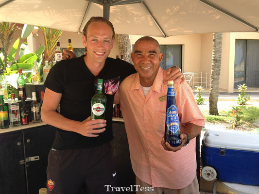 Barman Kenneth Sunscape Resort