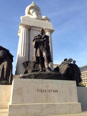 Tisza Istvan standbeeld