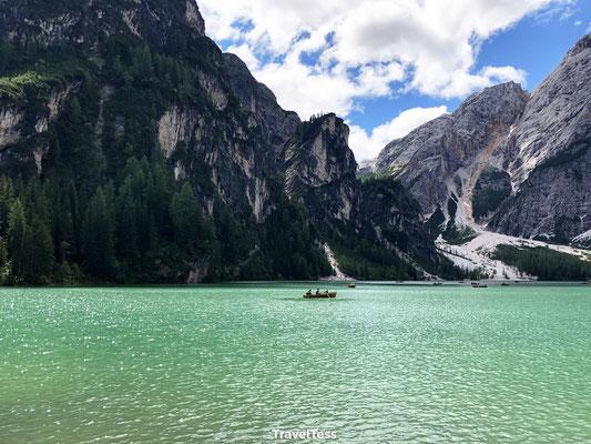 Bootje varen Lago di Braies
