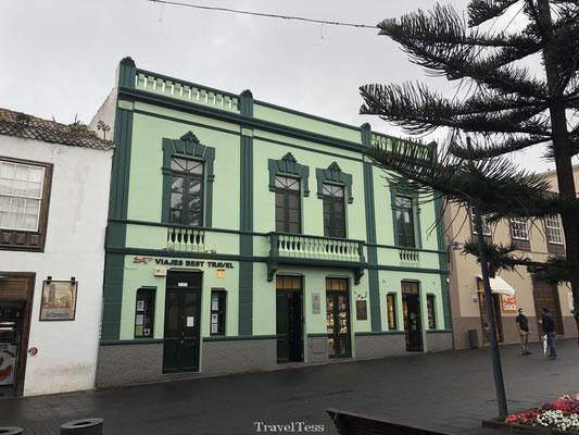 Gekleurd gebouw San Cristóbal de La Lagune