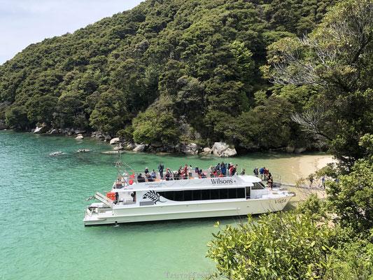 Aankomst boot bij Abel Tasman National Park