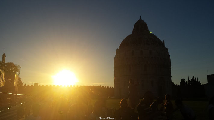 Zonsondergang in Pisa