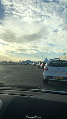 In de rij bij TUI Teststraat