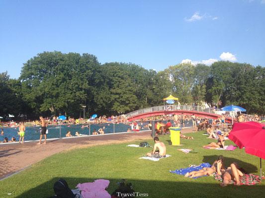Buitenzwembad in Frankfurt