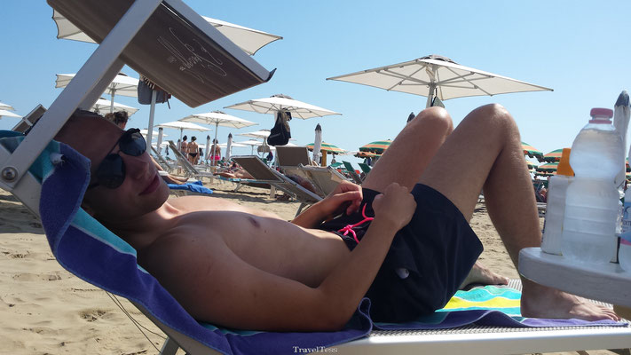 Chillen op het strand van Rimini