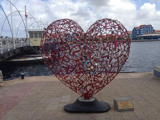 Hartje op kade Willemstad