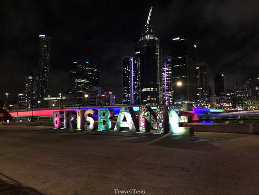 Brisbane sign in het donker