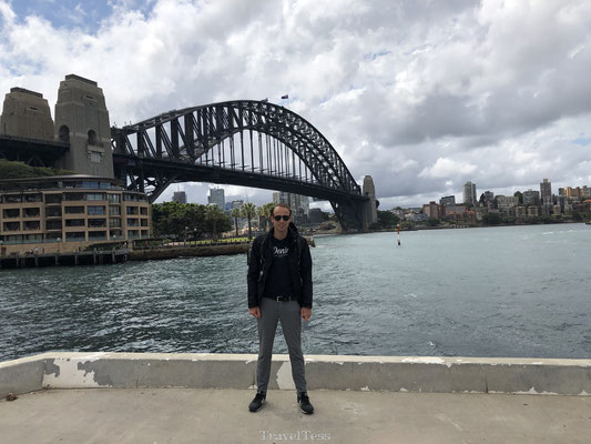 Op de foto met de Sydney Harbour Bridge