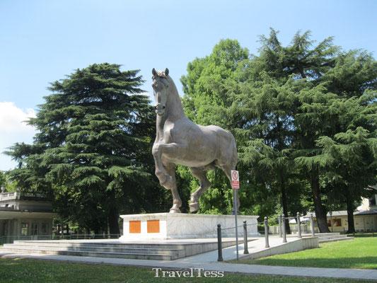 Paarden standbeeld Milaan