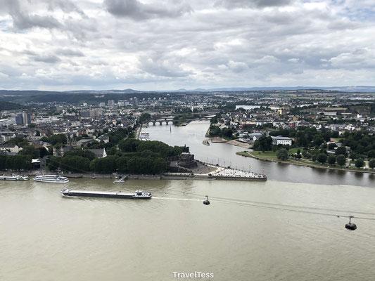 Moezel en Rijn komen samen bij Koblenz