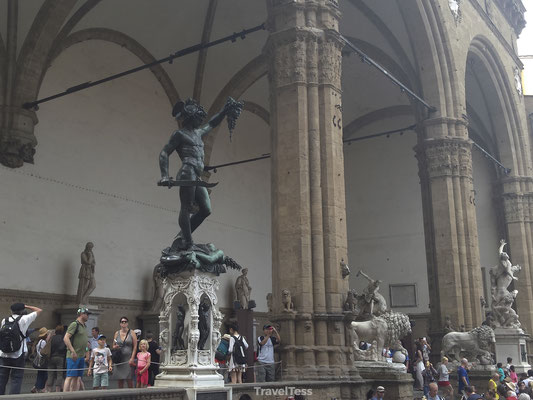Onthoofd standbeeld Florence