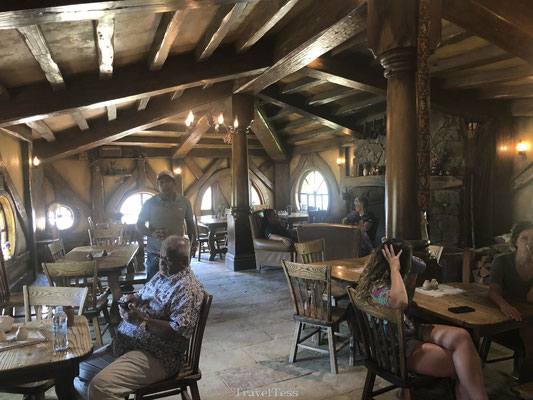 Interieur The Green Dragon Pub Hobbiton