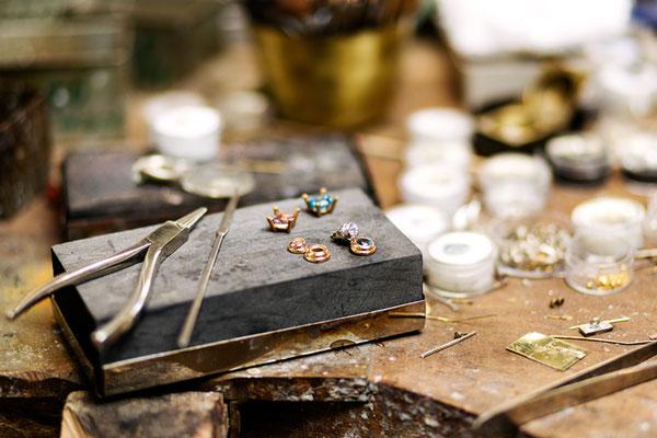 Goldschmiedwerkstatt Felten, Ohrringe, Topas und Zirkonia