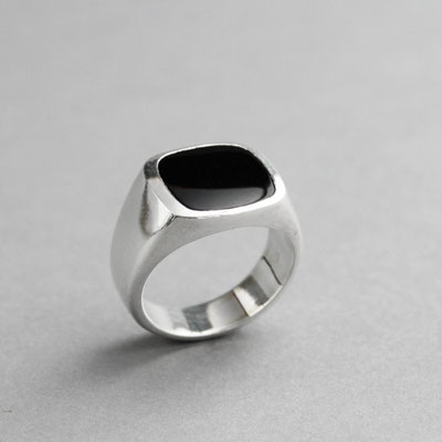 Modell für Herren Wappenring, Stein: schwarzer Onyx, Ring 925er Sterlingsilber
