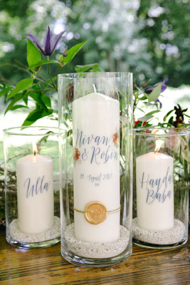 Traukerze mit goldenem Siegel - Foto: Hanna Witte Hochzeitsreportagen