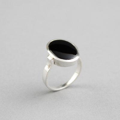 Modell für Damen Wappenring mit einem schwarzem Onyx, Ring 925er Sterlingsilber