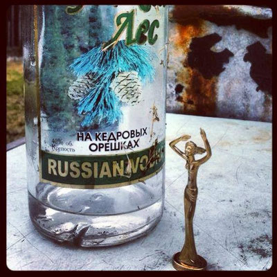 Esperanza probiert russischen Wodka