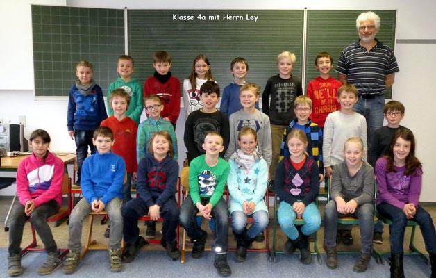 Klasse 4a mit ihrem Klassenlehrer Herrn Ley