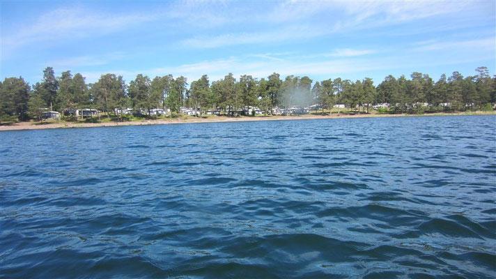 Camping Tättö vom Wasser aus.