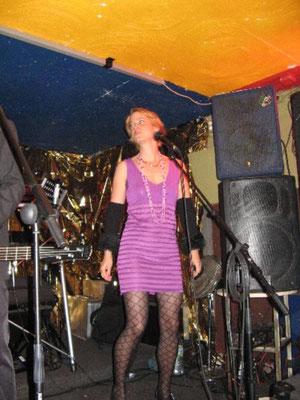 Sängerin Diane Eisenhawer live mit Dreamortal im Hotel Europa in Aachen