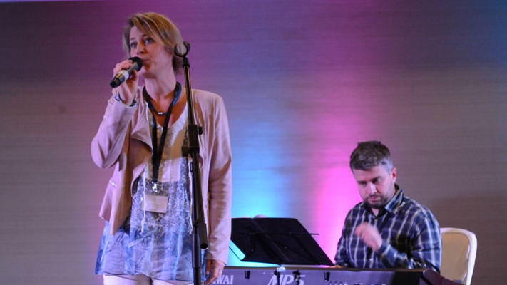 Hochzeitssängerin Diane Eisenhawer mit Pianistin Frank Hecht, Live bei der Hochzeitsmesse in Kasteel Vaalsbroek