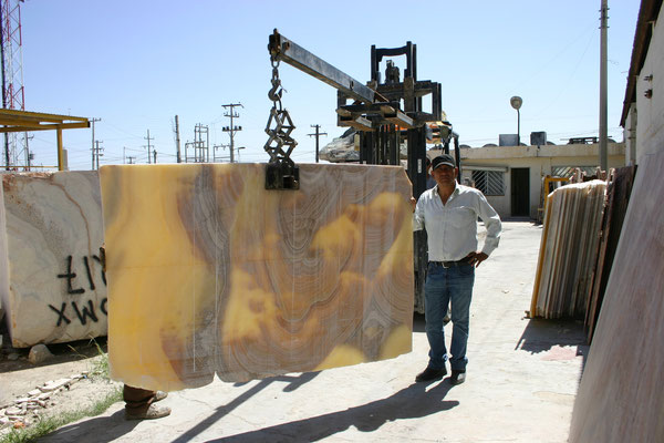 pavel robles, onyx slabs
