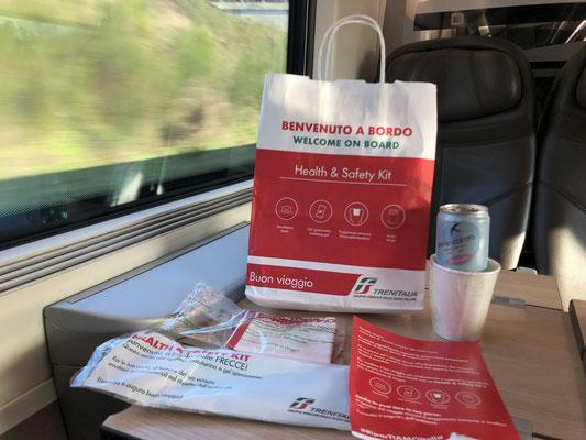 イタリア国鉄で配布される安全キット