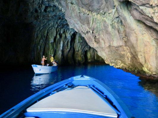 パリヌーロの青の洞窟(カンパニア州チレント)