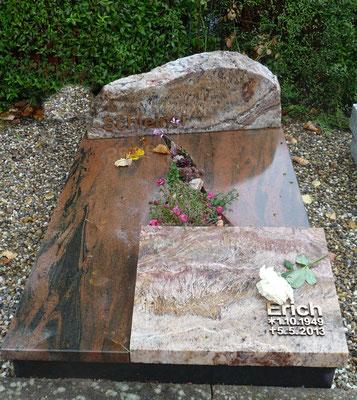 Urnengrab aus altem Familiengrab