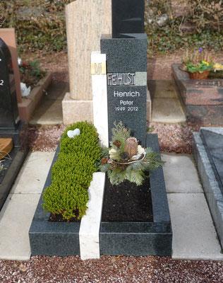 Urnengrab  in Diabas