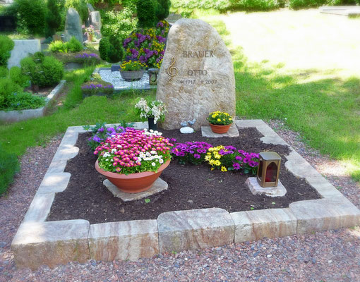 Doppelgrab in Odenwald Quarz