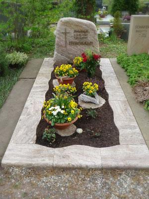 Einzelgrab in Odenwald Quarz