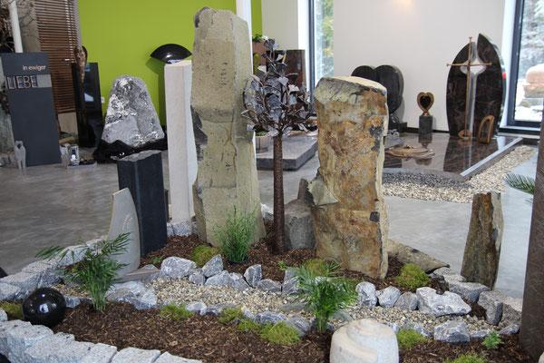 Basaltsäulen in unserer Ausstellung