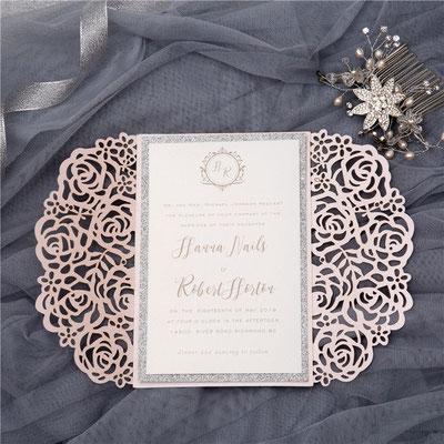 """Lasercut Karte """"Rosen"""" #B0140, Standardfarbe Blush Shimmer mit bedrucktem Einleger und Passepartout in Glitter Silber"""