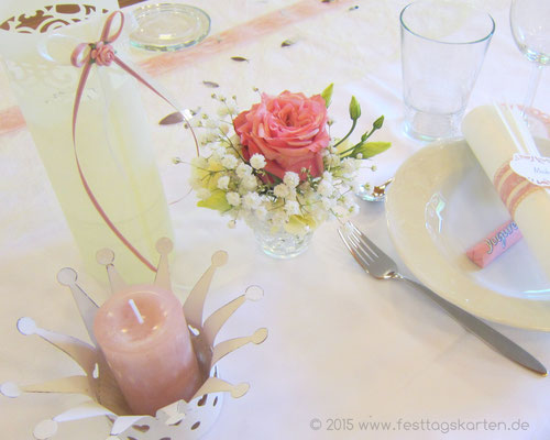 Romantische Dekoration einer Konfirmationsfeier im Vintage Stil. Menü-Laternchen in Silhouette Schneidetechnik gearbeitet.