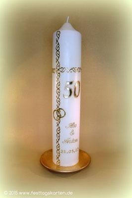 Kerze zur Goldenen Hochzeit, Ornamentbordüre, Dekor und Beschriftung Wachs, handgelegt