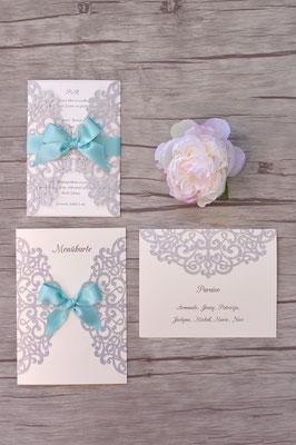 Hochzeits-Set: Lasercutkarte in glitter silber mit türkisfarbenem Band (Einladungskarte, Menükarte und Tischkarte)