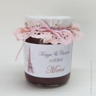 Schmuck Etikett auf Marmeladen Gläschen als Gastgeschenk