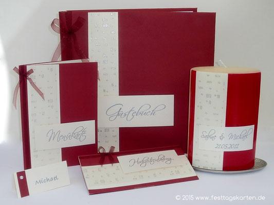 Das Hochzeits Set: Einladungskarte, Menü- und Tischkarte, Gästebuch und Traukerze. Alles im unikaten Design