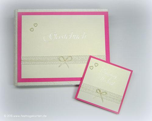 Hochzeits Set: Einladungskarte und Gästebuch, Spitzenband, Satinschleifchen, Perlchenherzen. Embossing Stempeltechnik